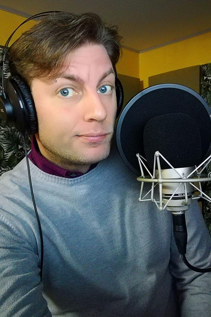 Thomas Centaro speaker con cuffia e microfono