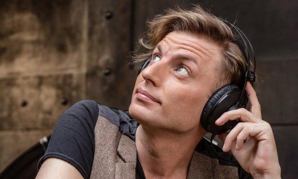 Thomas-Centaro-doppiatore-speaker-Milano