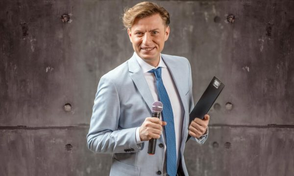 Thomas-Centaro-presentatore-tv